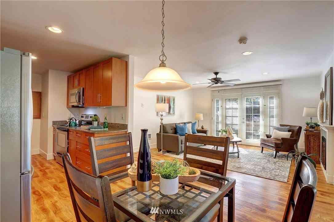 21305 48th Avenue W #B112, Mountlake Terrace, WA, 98043,