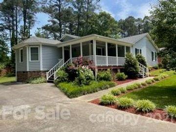 405 Country Club Drive, Matthews, NC, 28104,