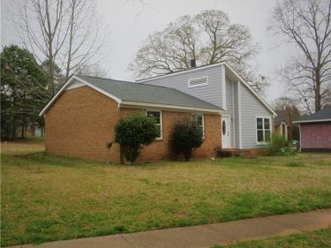 8101 Country Oaks Road, Charlotte, NC, 28227,