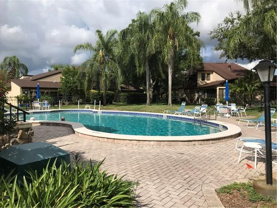 2101 SUNSET POINT ROAD #806