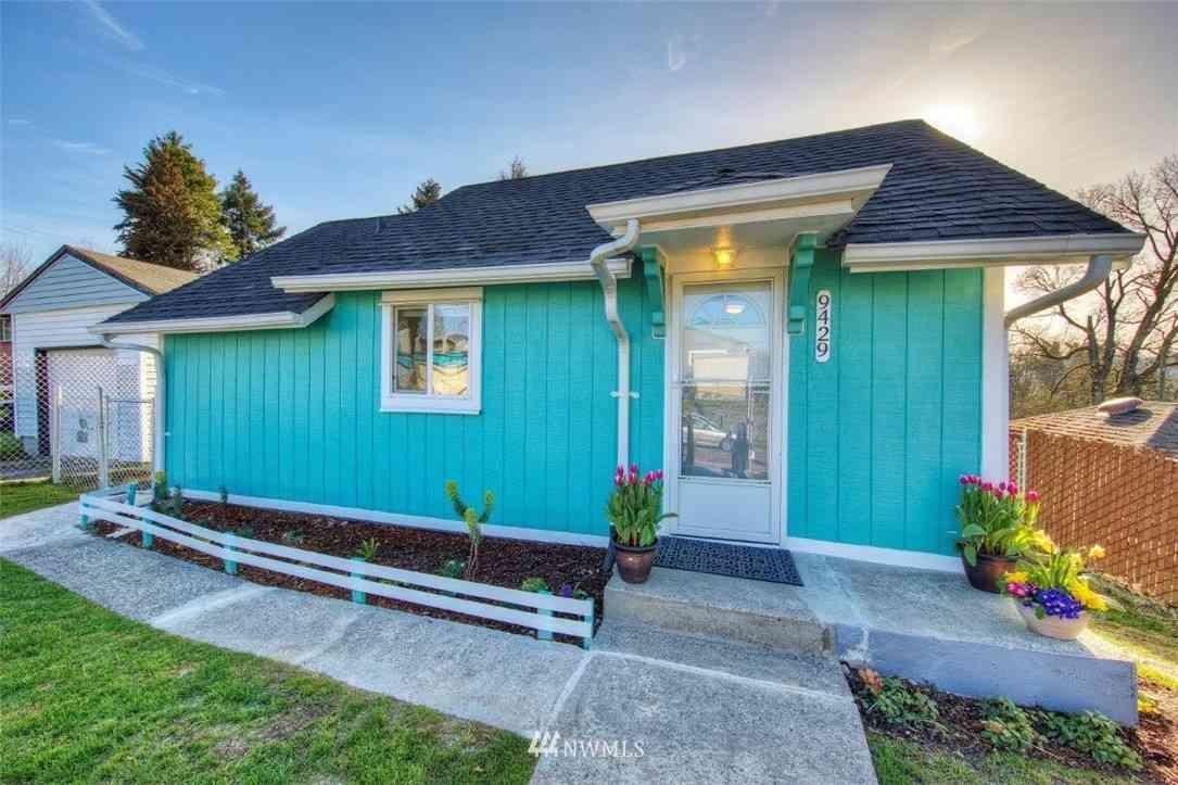9429 Haraden Place S, Seattle, WA, 98118,