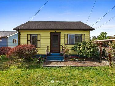 1916 E Pioneer Avenue, Puyallup, WA, 98372,