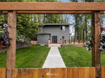 19523 SE May Valley Road, Issaquah, WA, 98027,