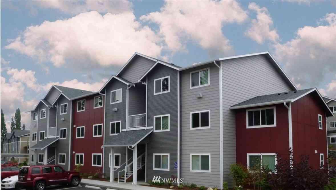 1651 SW Mulberry Place #E303, Oak Harbor, WA, 98277,