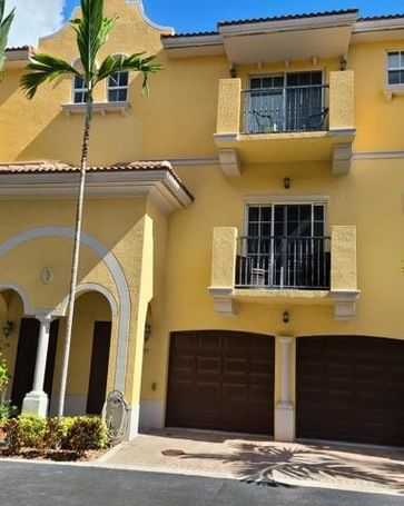 Undisclosed Address Fort Lauderdale, FL, 33315