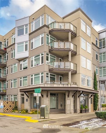 2000 Alaskan Way #552 Seattle, WA, 98121