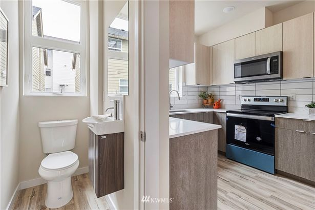 9500 Interlake Avenue N #1400-