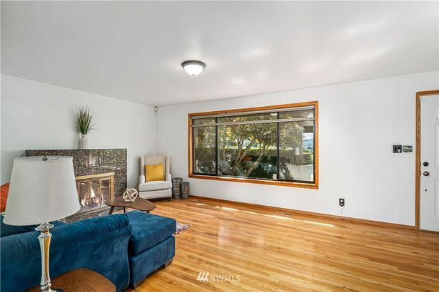 8452 Beacon Avenue S