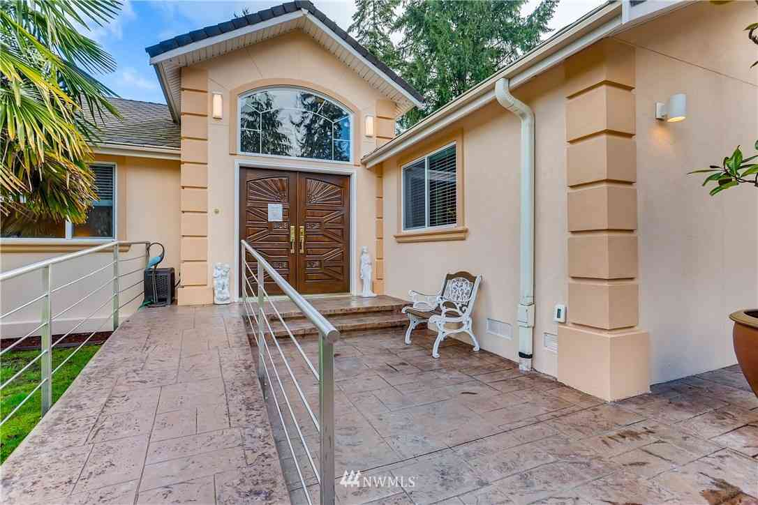 Undisclosed Address, Bellevue, WA, 98007,