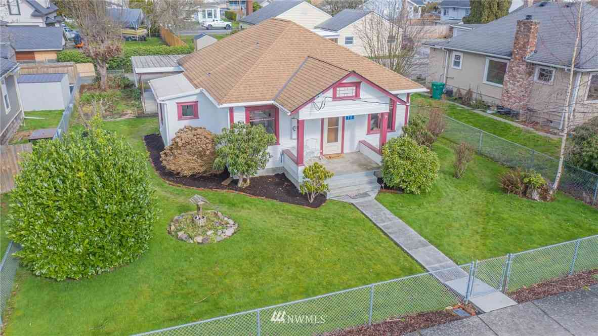 711 E Vernon Avenue, Burlington, WA, 98233,