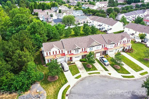 3068 Priory Ridge Drive