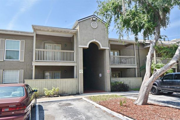 425 WYMORE ROAD #206
