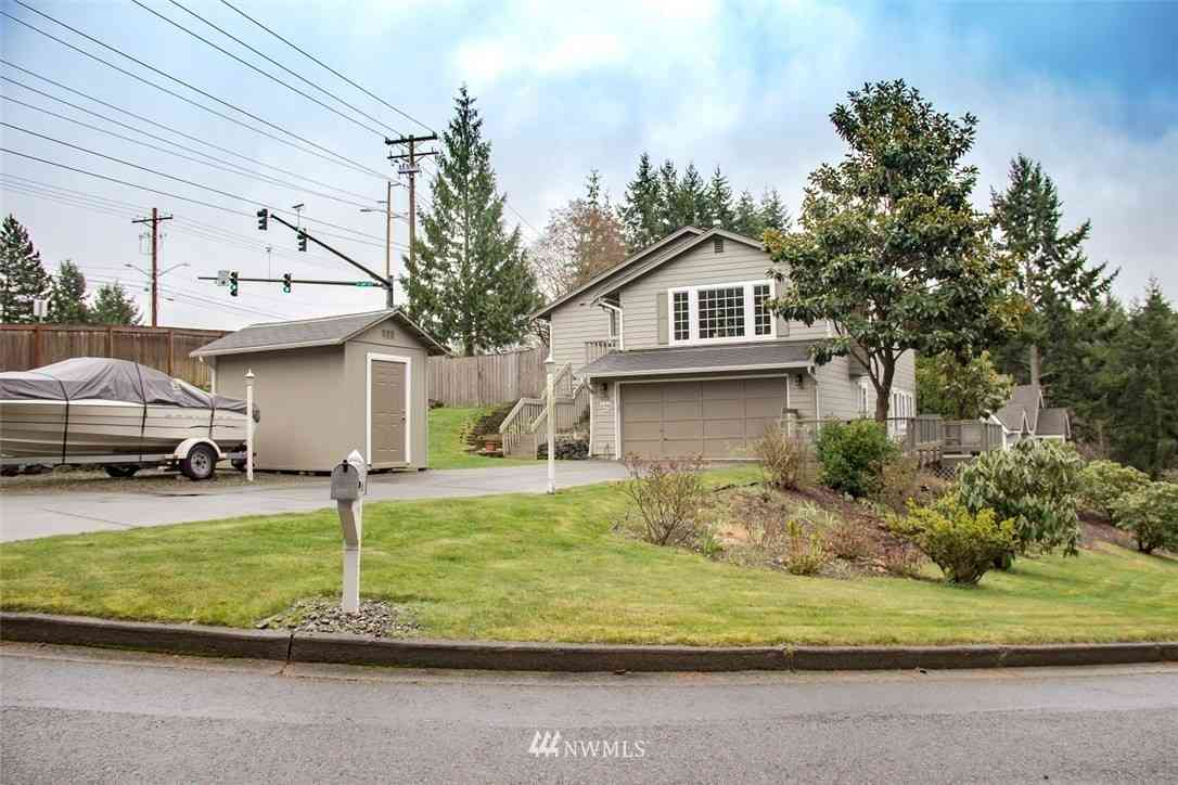 933 Holly Drive, Fircrest, WA, 98466,