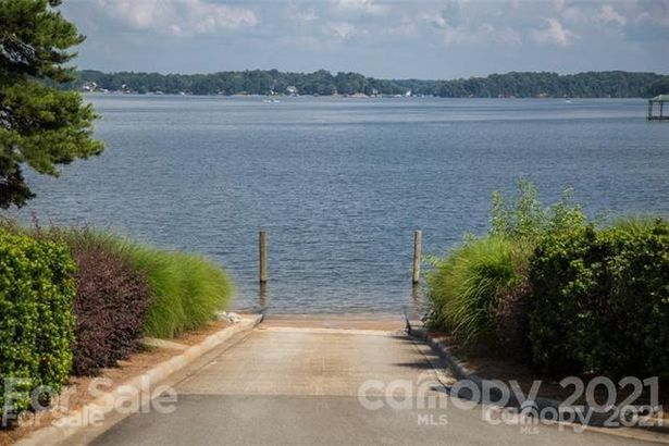 2347 Capes Cove Drive #330
