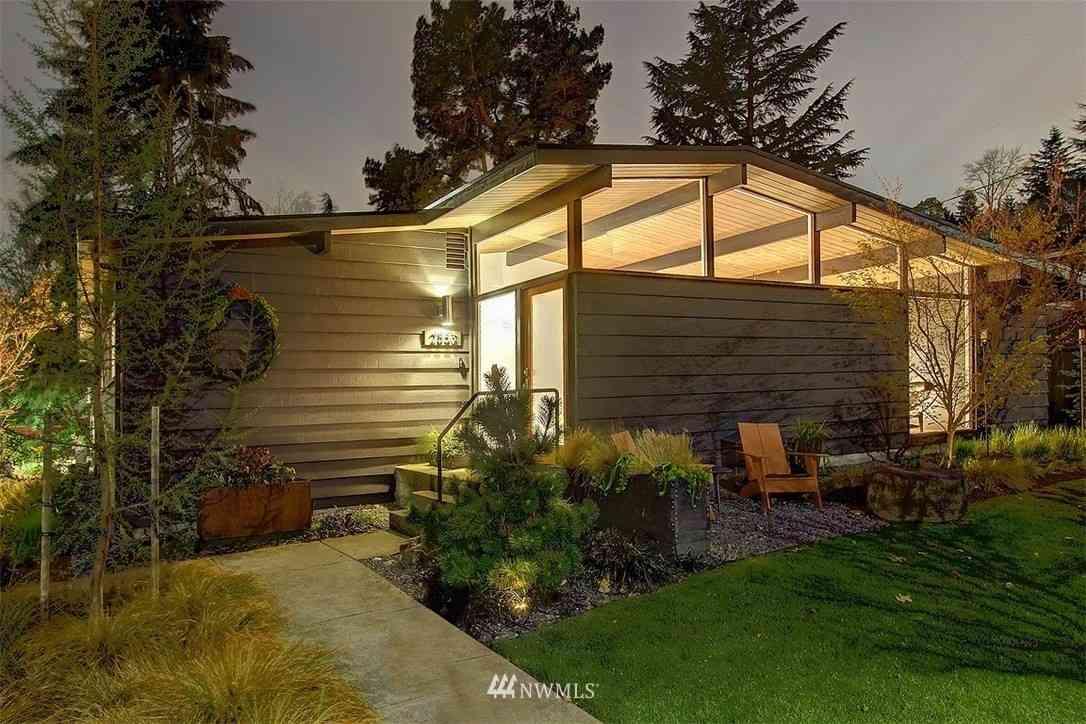 2553 NE 106th Place, Seattle, WA, 98125,