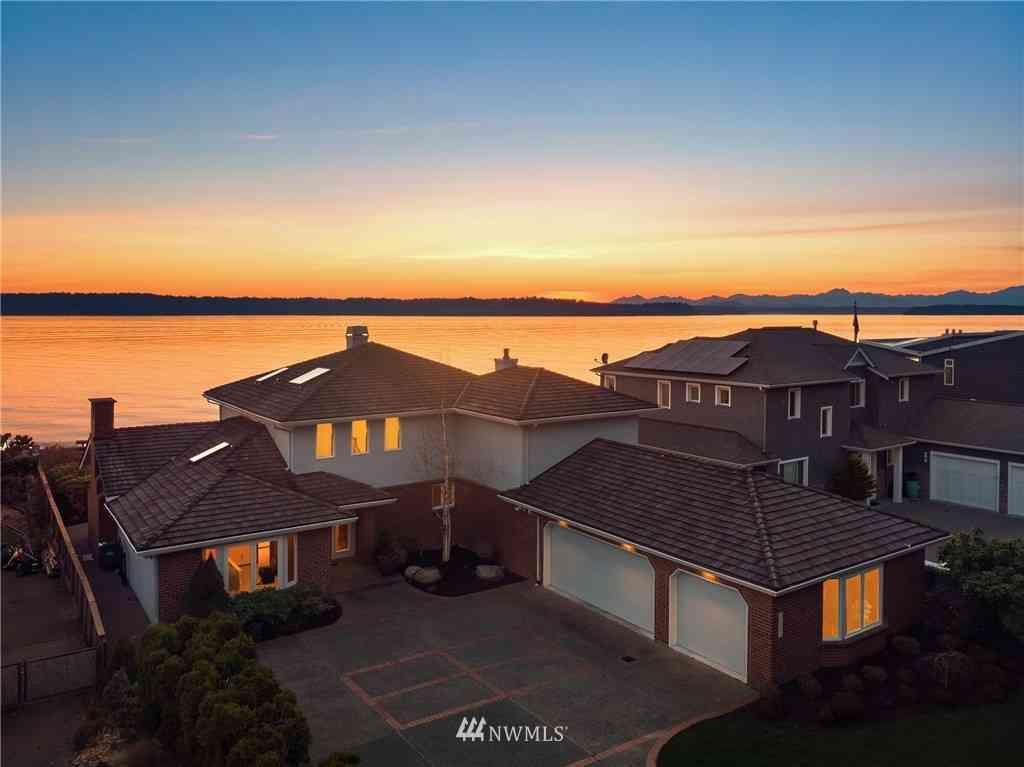 11061 Arroyo Beach Place SW, Seattle, WA, 98146,