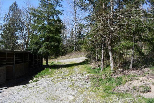 31526 NE Stillwater Hill Road