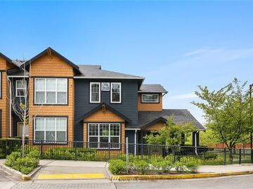 10383 156th Place NE #101, Redmond, WA, 98052,