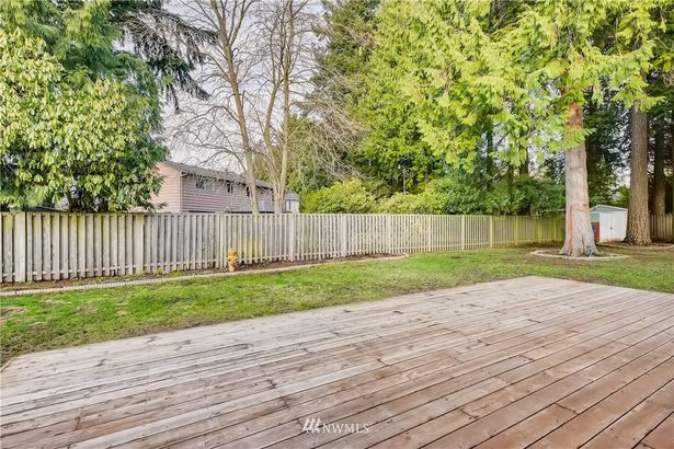 4211 184th Place SW