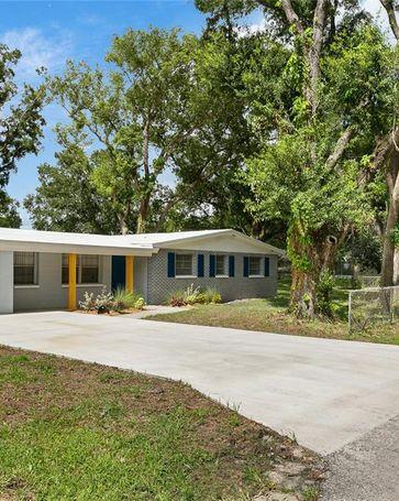 2901 SILVER LAKE AVENUE Tampa, FL, 33614