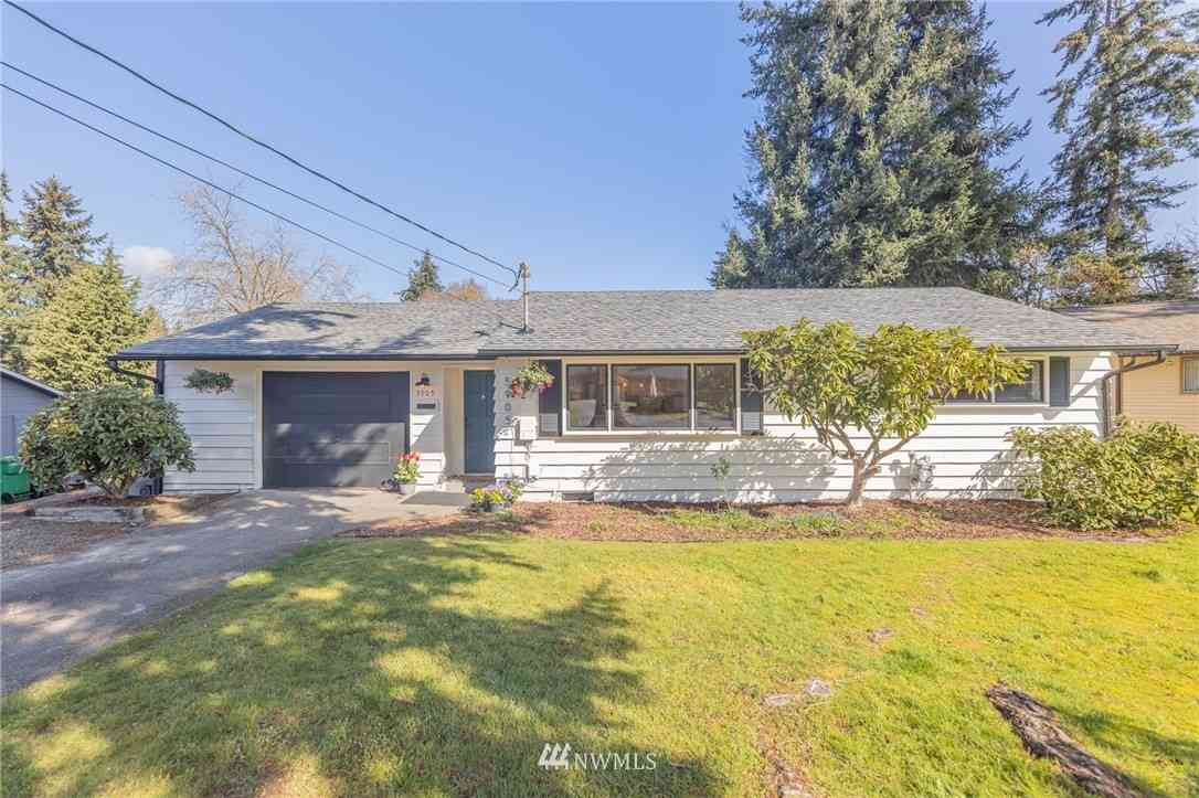 5905 227th Street SW, Mountlake Terrace, WA, 98043,