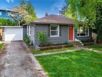 12504 Phinney Avenue N, Seattle, WA, 98133,