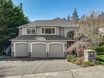 5983 152nd Avenue SE, Bellevue, WA, 98006,