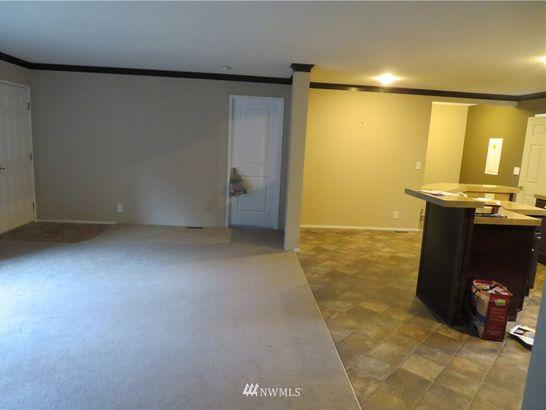42038 Cedar Street