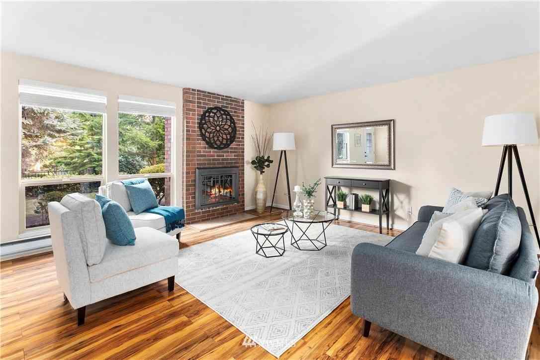 1717 150th Avenue SE #16, Bellevue, WA, 98007,
