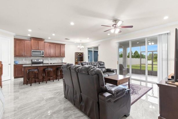8012 RED ORCHARD COURT
