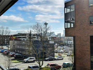 275 W Roy Street #307, Seattle, WA, 98119,