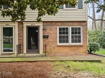 6810 Farmingdale Drive #H, Charlotte, NC, 28212,