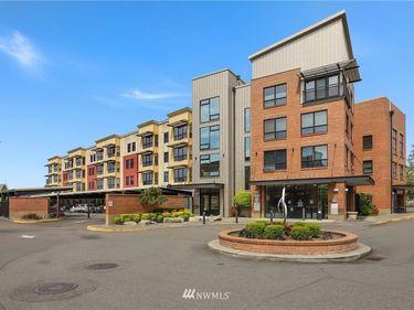 210 W Pioneer Avenue #315, Puyallup, WA, 98371,