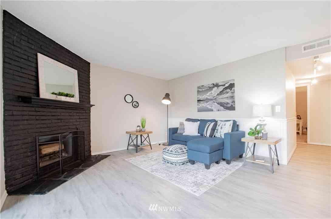 14522 127th Avenue NE #W76, Kirkland, WA, 98034,
