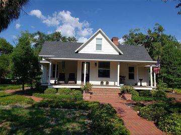 210 N GROSSE AVENUE, Tarpon Springs, FL, 34689,