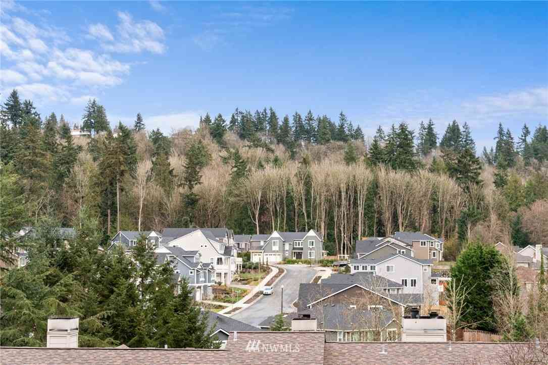 15711 Waynita Way NE #H205, Bothell, WA, 98011,