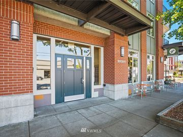 6015 Phinney Avenue N #205, Seattle, WA, 98103,