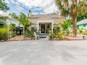 611 E SPRUCE STREET, Tarpon Springs, FL, 34689,