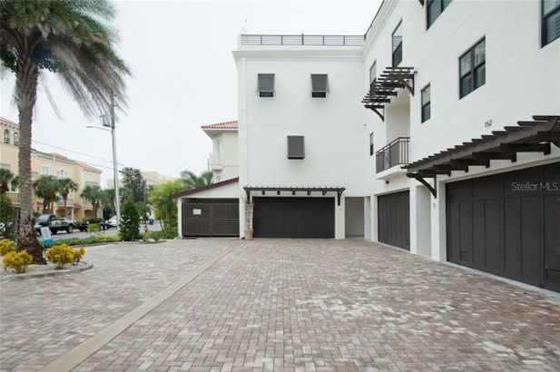 152 BRIGHTWATER DRIVE #1