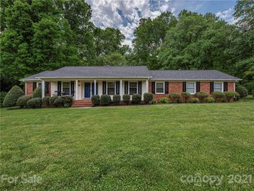 915 Rollingwood Drive, Mount Holly, NC, 28120,
