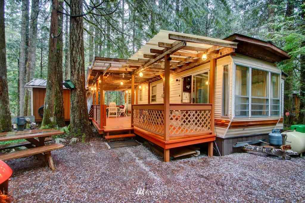 59 Riverside Drive, Deming, WA, 98244,