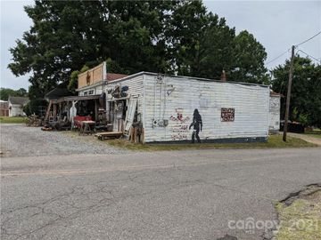 603 W 1st Street, Lowell, NC, 28098,