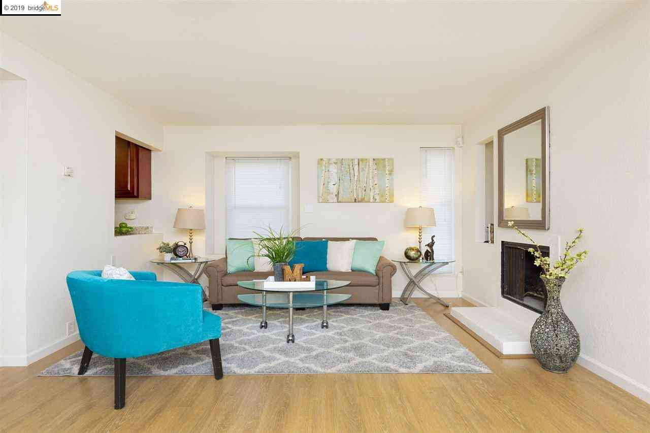 Sunny Living Room, 4740 Appian Way #0, El Sobrante, CA, 94803,