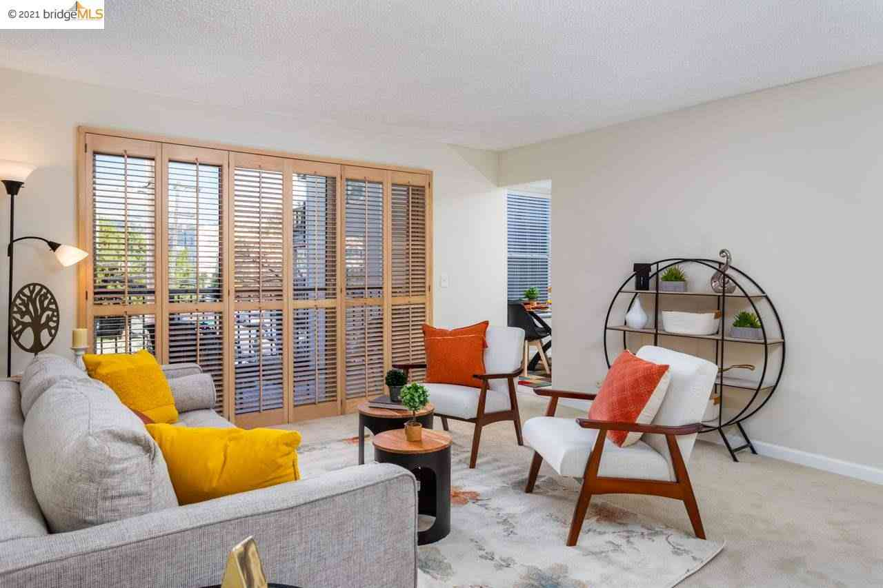Sunny Living Room, 525 Mandana Blvd #206, Oakland, CA, 94610,
