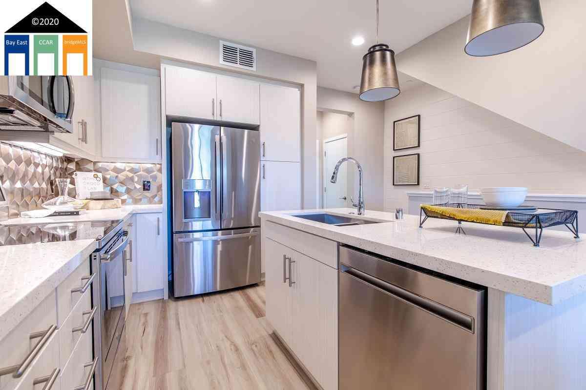 Kitchen, 3919 Wattling Street #26, Oakland, CA, 94601,