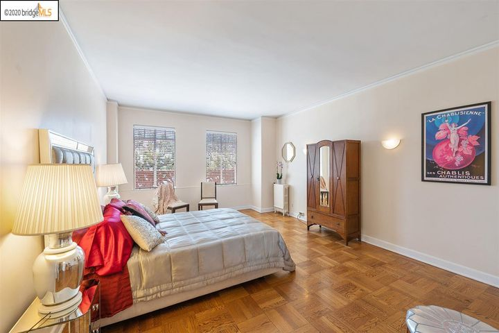 492 Staten Ave #201