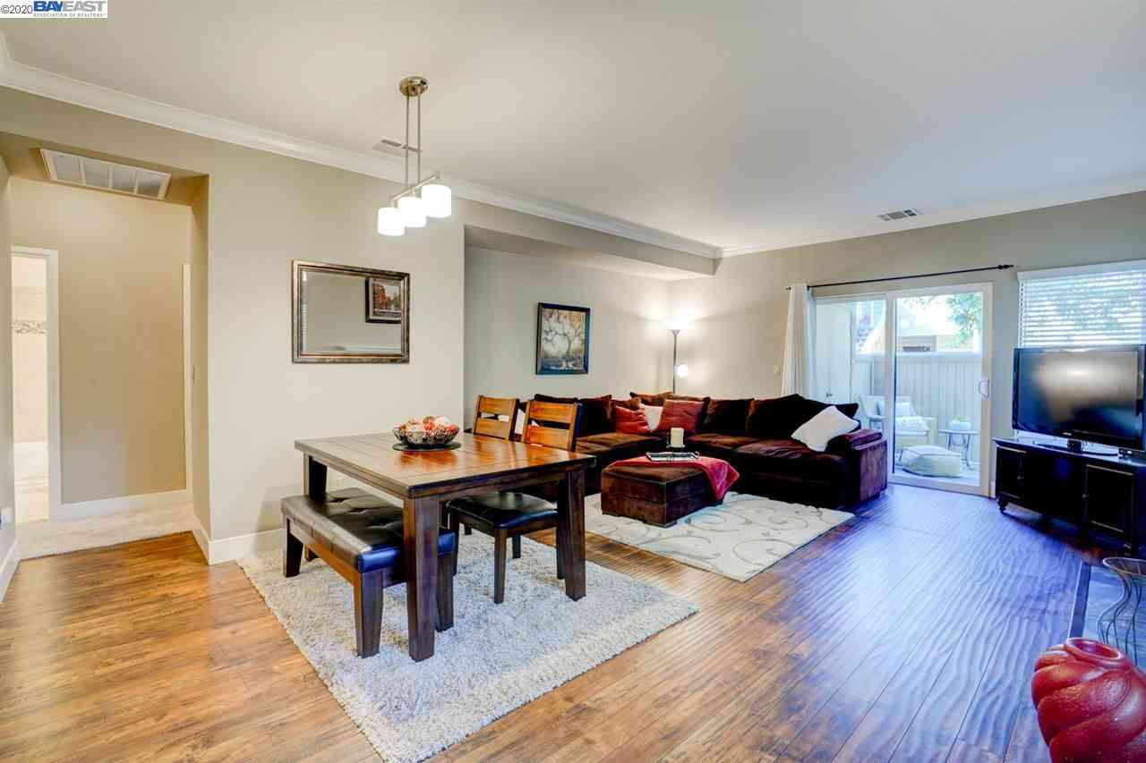 Sunny Living Room, 260 Overlook Dr, San Ramon, CA, 94582,