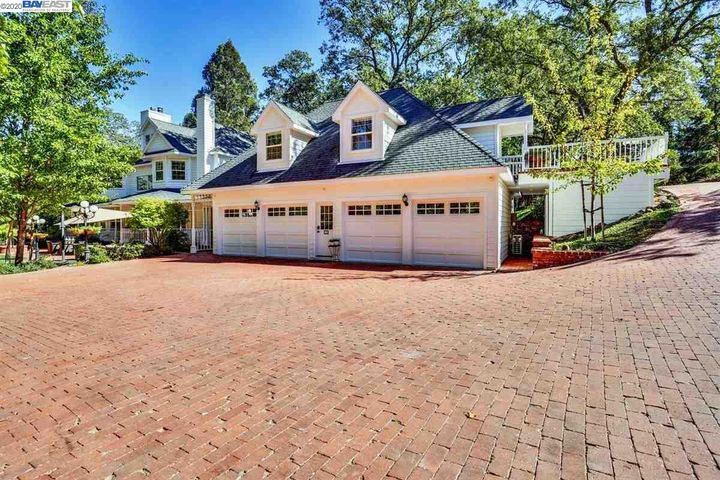386 Starview Drive
