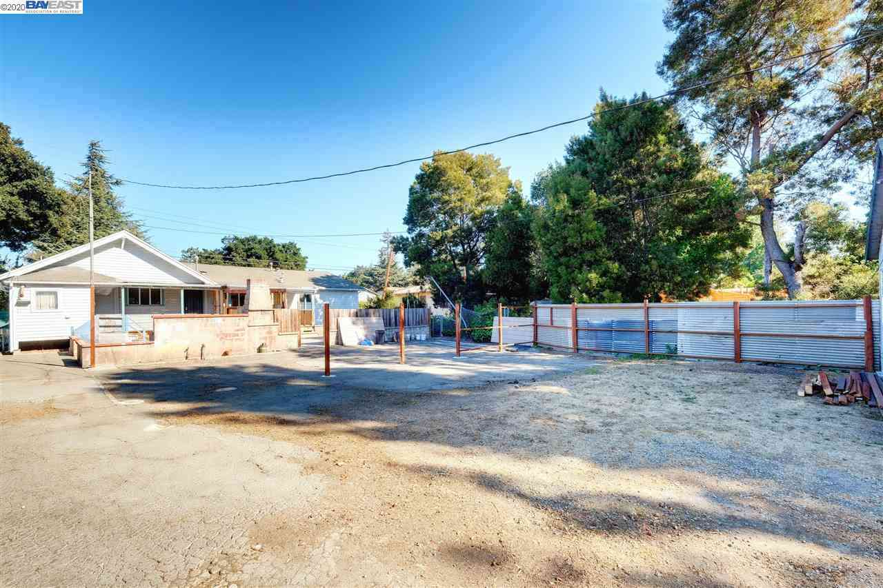 Swimming Pool, 3235 Brookdale Ave, Oakland, CA, 94602,