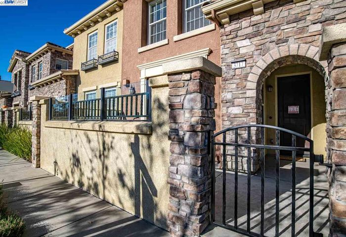 3717 Central Parkway #23